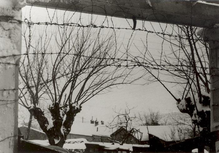 Entrée du camp de Lodi, vers 1957-1958.